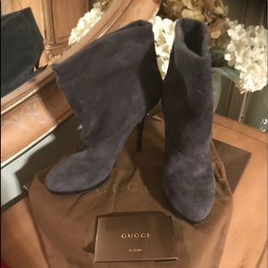 NWB authentic Gucci fold over booties
